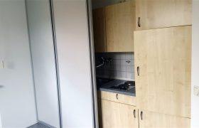 Komplette Einbauküche mit Schiebe-Elemente
